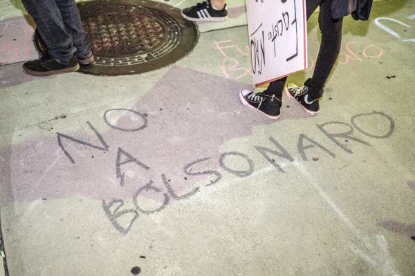 Chalk on sidewalk: No a Bolsonaro.